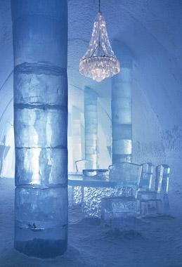 Icehotel in Jukkasjärvi, 2002